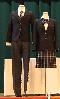 制服のデザインが変わりました!